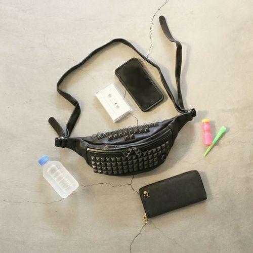 【JAM HOME MADE(ジャムホームメイド)】ENDURE スタッズショルダーバッグ S メンズ レザー ブラック ウエストポーチ ボディバック シンプル