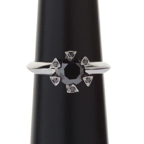 【ジャムホームメイド(JAMHOMEMADE)】ファイナルブラックダイヤモンドクラシックリング / 婚約指輪・エンゲージリング