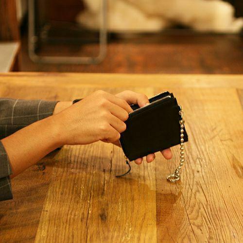 【JAM HOME MADE(ジャムホームメイド)】三島珠美枝モデルウォレット / ミニウォレット メンズ ユニセックス ブラック 人気 ブランド おすすめ レザー/革 シープスキン お手入れ シンプル コンパクト ギフト プレゼント 二つ折り