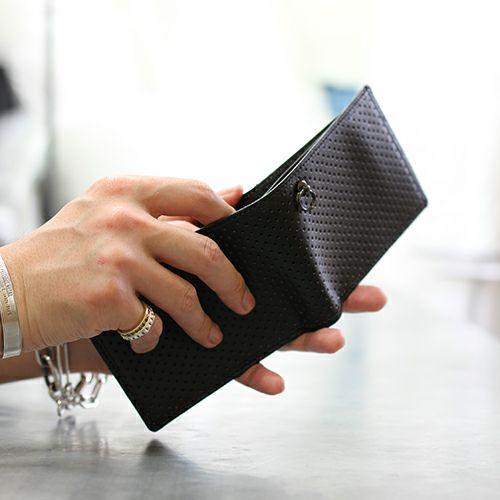 二つ折り財布 / 9月 誕生石 サファイア パンチングミディアムウォレット -LaVish- メンズ 革 ブラック 人気 おすすめ ブランド 使い始め ヌメ革 シンプル プレゼント ギフト 誕生日 機能性 ウォレットチェーン