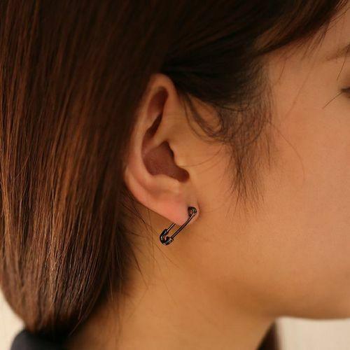 【ジャムホームメイド(JAMHOMEMADE)】安全ピン (セーフティピン) ダイヤモンド ピアス XS - ブラック / 片耳