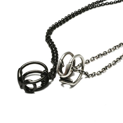 セーフティピンネックレス -BLACK-