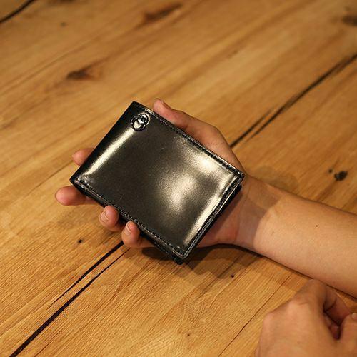 二つ折り財布 / 7月 誕生石 ルビー コードバンミディアムウォレット メンズ ブランド 人気 おすすめ 革 ブラック 馬革 シンプル カード 小銭入れ たくさん入る お手入れ 丈夫 ギフト 誕生日 機能性 ウォレットチェーン