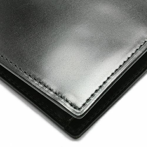 二つ折り財布 / 5月 誕生石 エメラルド コードバンミディアムウォレット メンズ ブランド 人気 おすすめ 革 ブラック 馬革 シンプル カード 小銭入れ たくさん入る お手入れ 丈夫 ギフト 誕生日 機能性 ウォレットチェーン