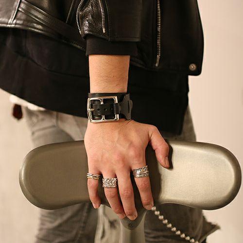 【JAM HOME MADE(ジャムホームメイド)】POST レザーシングルブレスレット -BLACK- メンズ レザー イタリアンレザー 人気 ブランド 太め おすすめ バックル リスシオ ギフト プレゼント