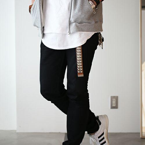小物 / カッティングエッジ スタッズキーホルダー -BROWN- メンズ ブランド ベルト 人気 レザー/革 ブラウン ヌメ革 シンプル スタッズ パンク ロック