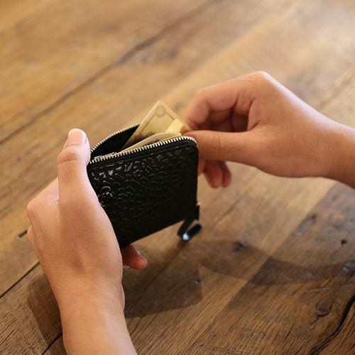 【ジャムホームメイド(JAMHOMEMADE)】印傳 - 印伝屋 3月 誕生石  二つ折り財布 小銭入れ L字ファスナー レオパード柄