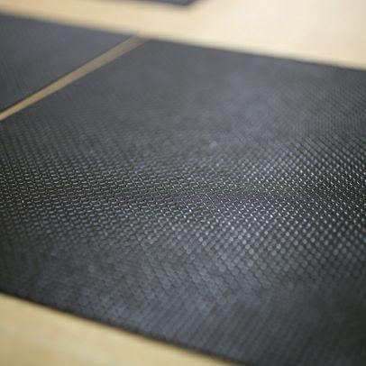 9月 誕生石 印傳屋(印伝屋) ミディアムウォレット・がま札財布 -ANECHOIC- / 二つ折り財布