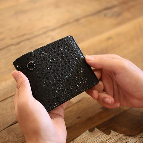 印傳屋(印伝屋) ミディアムウォレット -LEOPARD- / 二つ折り財布 / 財布・革財布