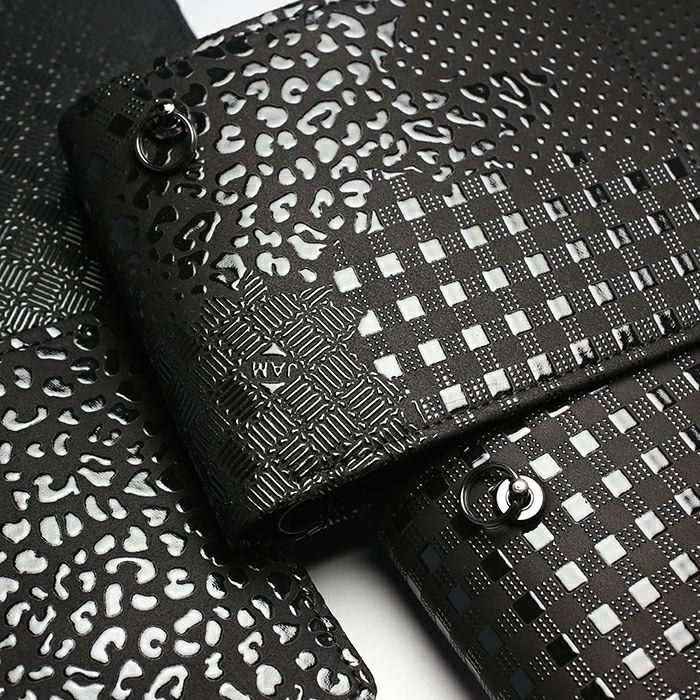 二つ折り財布 / BLACK DIAMOND 印傳屋(印伝屋) ミディアムウォレット -LEOPARD- メンズ レディース 上原勇七 おすすめ 人気 誕生日 プレゼント 薄い 日本製 小銭入れ ウォレットチェーン