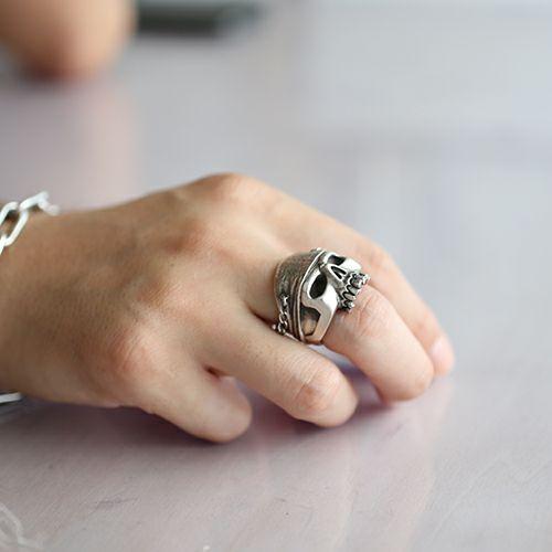 『パイレーツ・オブ・カリビアン / ワールド・エンド』 スカルリング M -SILVER- / 指輪