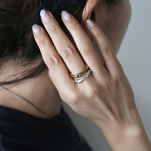 指輪 / 『パイレーツ・オブ・カリビアン/最後の海賊』 クロスボーンリング -K18YELLOWGOLD- メンズ ゴールド 人気 おすすめ ブランド コラボ ドクロ ガイコツ ジャック