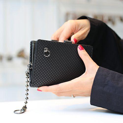 4月 誕生石 印傳屋(印伝屋) ミディアムウォレット・がま札財布 -PUNCHING- / 二つ折り財布
