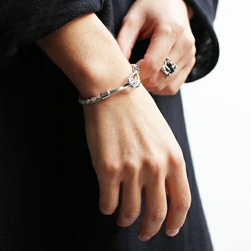 編み込みシングルブレスレット -GRAY- / ブレスレット ・ バングル