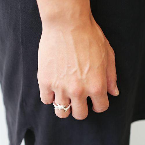 指輪 / ドルフィンリング メンズ レディース ペア シルバー 人気 ブランド おすすめ 本物 プレゼント 誕生日 ギフト Vaporwave ヴェイパーウェイヴ カセットテープ 重ね付け アナログ 音楽 ユニーク イルカ アニマル ハワイ
