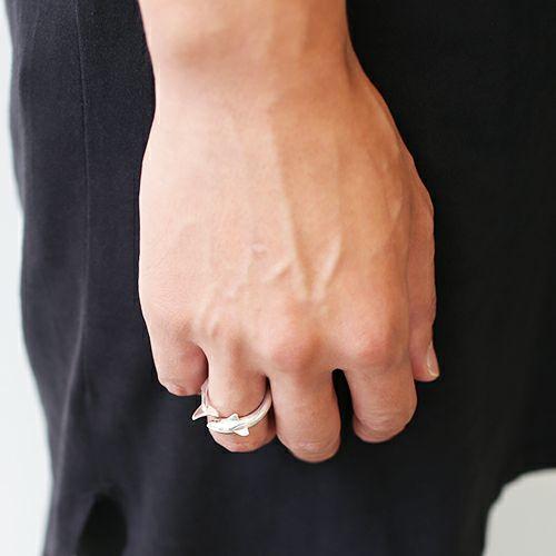 指輪 / シャークリング メンズ レディース ペア シルバー 人気 ブランド おすすめ 本物 プレゼント 誕生日 ギフト Vaporwave ヴェイパーウェイヴ カセットテープ 重ね付け アナログ 音楽 ユニーク 80年