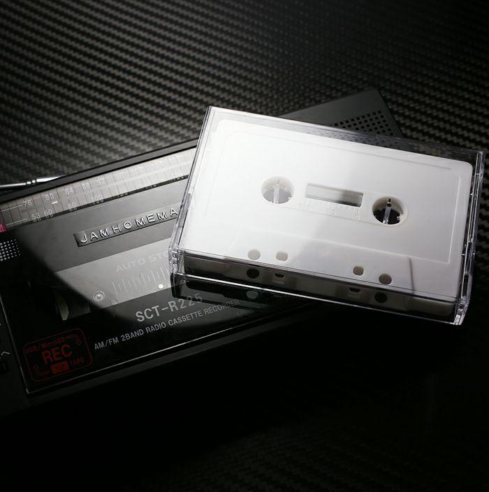 【ジャムホームメイド(JAMHOMEMADE)】カセットテープ ハブ ピアス - ホワイト / 両耳
