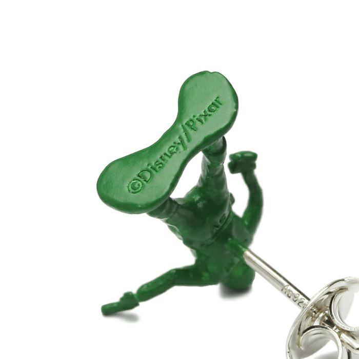 ピアス / トイ・ストーリー グリーンアーミーメン / ピアス / 片耳 メンズ レディース ペア シルバー 人気 おすすめ ブランド ディズニー トイストーリー コラボ プレゼント ピクサー 劇中  緑 兵隊 toy story