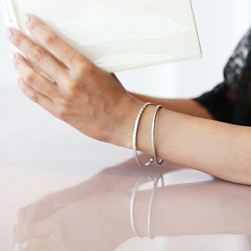 ブレスレット / リアルダイヤモンド ペア バングル S -SILVER- レディース アクセサリー ダイヤモンド 人気 ブランド おすすめ 誕生日 記念日 プレゼント シンプル 重ね付け プチプラ