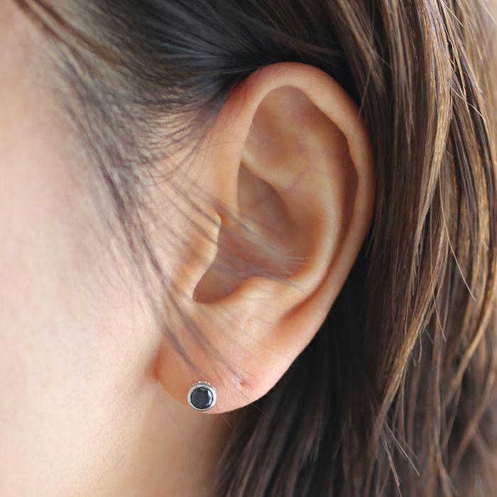 ダイヤモンドモダンピアス 4mm -BLACK DIAMOND- / 片耳 / ピアス・イヤーカフ
