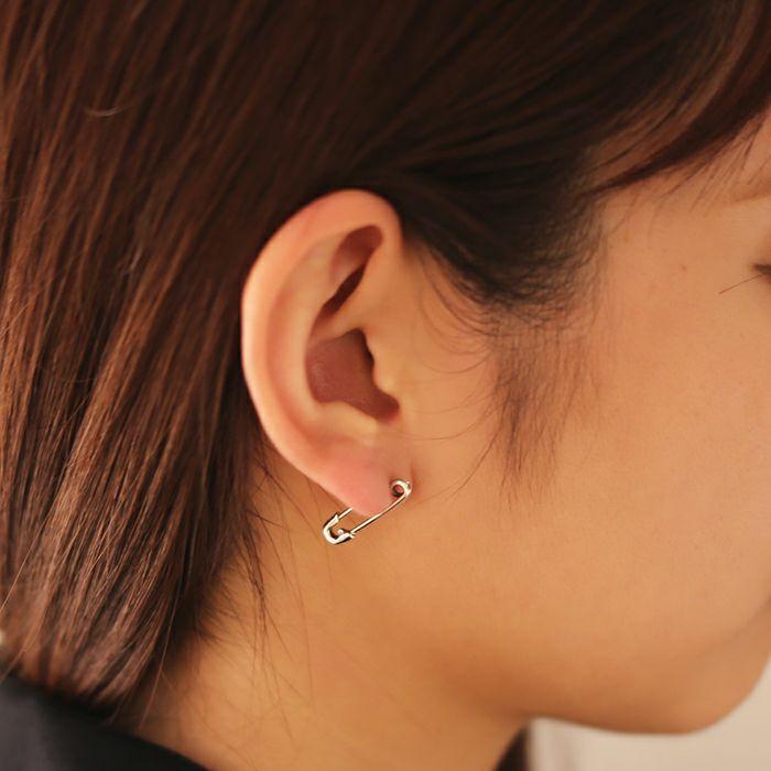 【ジャムホームメイド(JAMHOMEMADE)】4月 誕生石 安全ピン (セーフティピン) ピアス XS - シルバー / レディース / 片耳